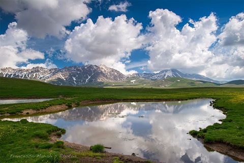 Riflessi sul Lago Racollo sulla piana di Campo Imperatore. https://www.facebook.com/Francesco.Mariani.s.Photos/
